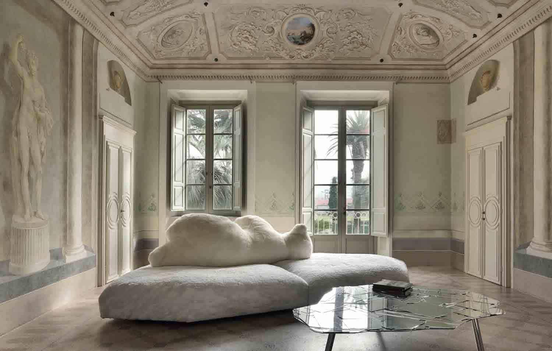 Canapé Pack de Francesco Binfaré. Assise composée de deux éléments modulaires, structure en contreplaqué et rembourrage en Gellyfoam® et plumes. ©Edra