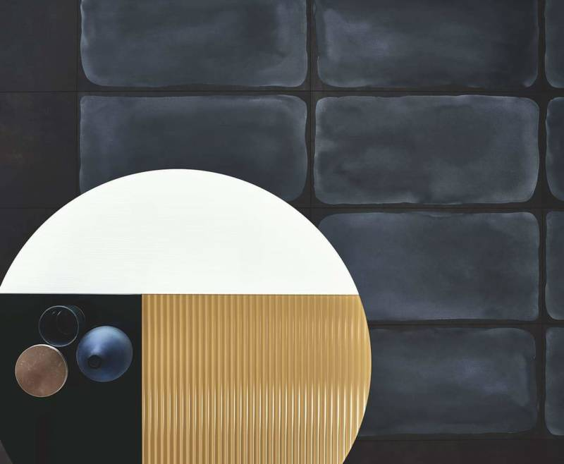 Carreaux aspect ciment Shades, coloris night. 30 x 60 cm. Design Gordon Guillaumier. ©Ceramiche Piemme