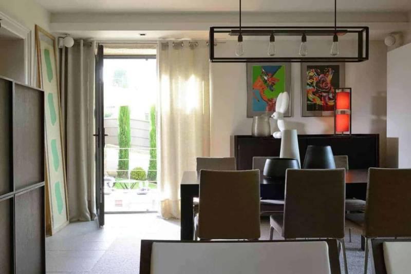 Espace Salle à mnager. Suspensio Nautic - Meubles Maxalto Réalisation architecture d'intérieur Dorga - David Burles (Lyon 6ème) Photographe Erick Saillet