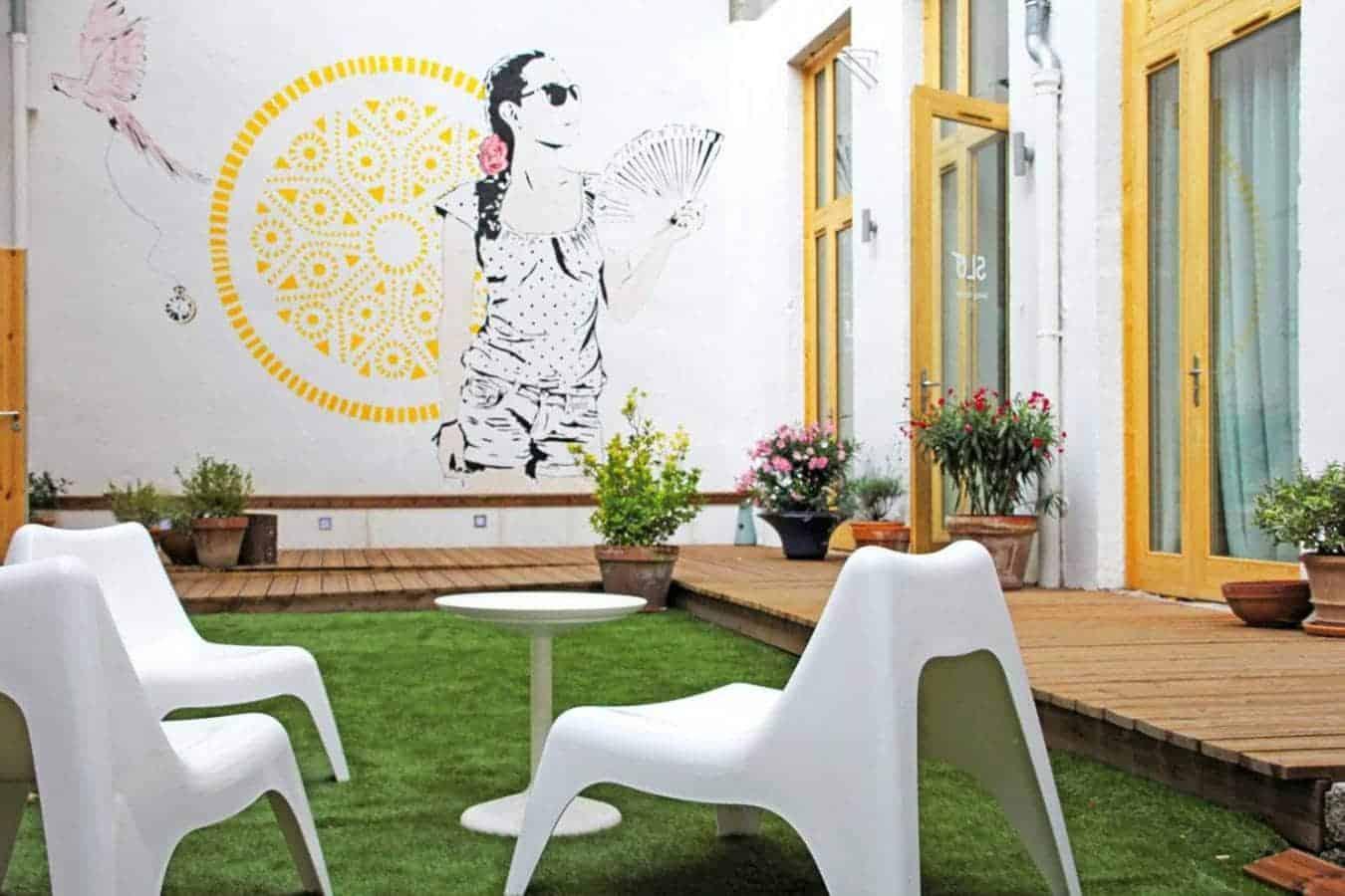 Slo Hostel Living, auberge de jeunesse, au coeur du 3ème arrondissement. Architecte Charlotte Bollard - Photographe Frenchie Cristogatin. (Lyon 3ème)