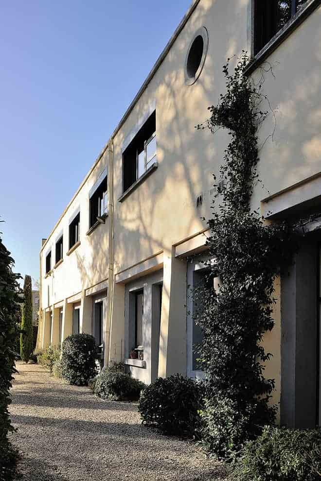 Ancienne usine datant de 1930, avec une envolée linéaire de 37 mètres, aujourd'hui reconvertie en résidence privée.