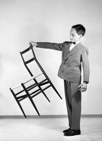 Chaise superleggera, 1957 - fabricant cassina - ©gio ponti archives, milan.jpg