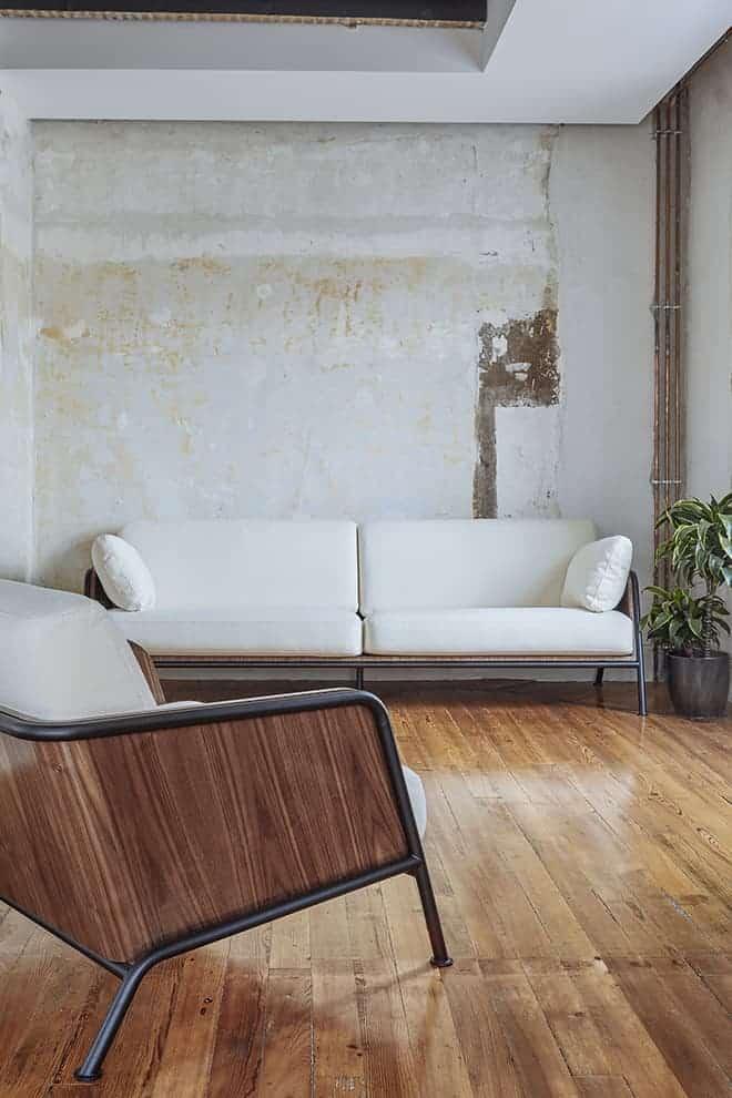 Nouvelle collection d'assises lou rey. design brichet-ziegler. ©versant edition