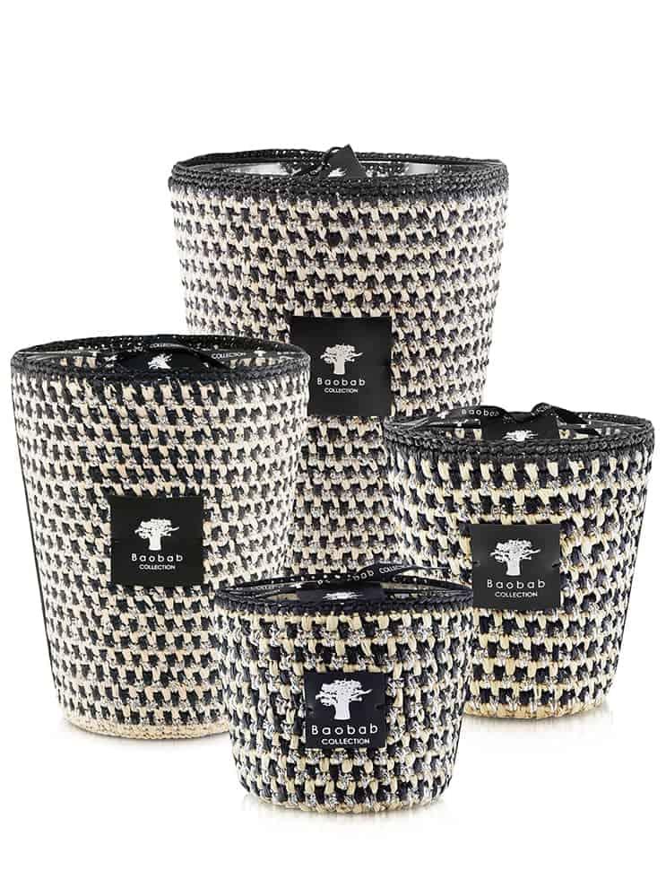 Modernista Raffia, bougies en raphia noir crocheté et fils de lurex argenté. Modèle Marina – Sel de mer, Vétiver, Ambre. Édition limitée. ©Baobab