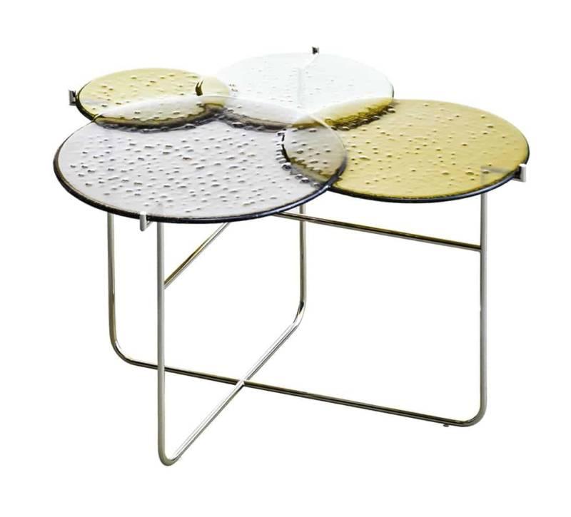Pastille, table basse en verre fusionné et métal nickelé. 40 x 52 x H 35 cm. Design Sebastian Herkner. ©Edition van Treeck
