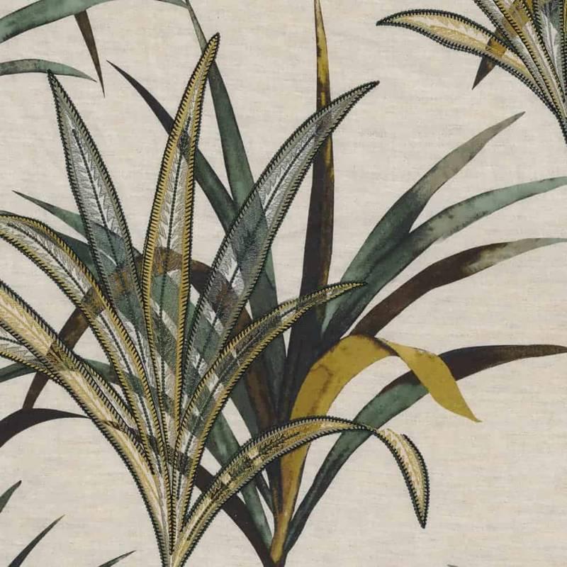 Tissu Creation, en coton, lin et viscose brodés. Laize 138 cm. Rideaux et coussins. ©Casamance