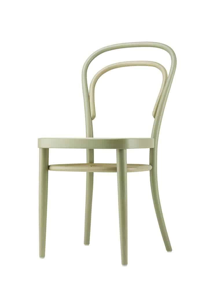 214 Two-One, chaise (1859) réinterprétée par Besau-Marguerre pour les 200 ans de Thonet. 4 versions bicolores. Cannage et hêtre teinté. ©Thonet