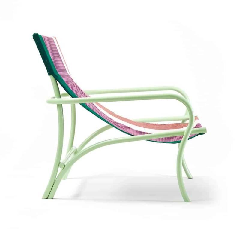 Maraca, chaise longue en laine et cadre en acier. H 79,5 x 74,2 cm. Design Sebastian Herkner. ©Ames