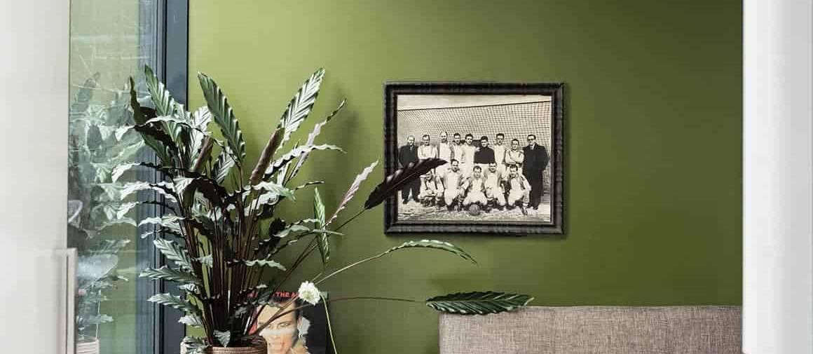 Peinture, coloris Bancha n° 298, typique des années 1950, inspiré des feuilles de thé japonaises. ©Farrow & Ball