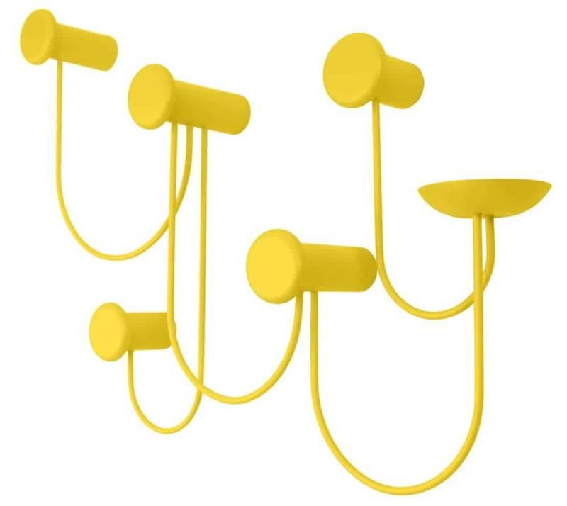Pina, patères en acier revêtu de poudre jaune citron. 4 ou 5 crochets. Design Laurent Batisse. ©Schönbuch