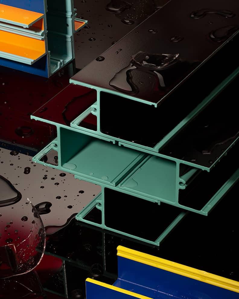 Piscis, vases en profilés d'aluminium extrudé réutilisés. Collection REmix. Design Jorge Penadés. ©BD Barcelona