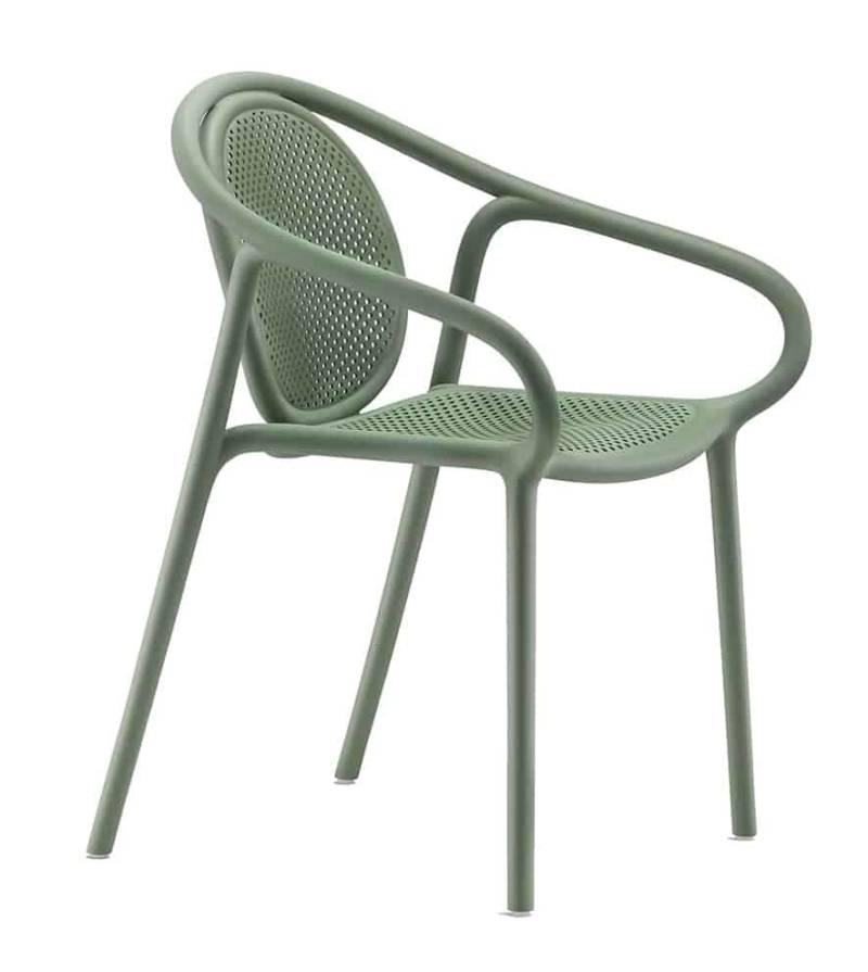 Remind, chaise empilable en polypropylène injecté. L 58 x P 56 x H 81 cm. Design Eugeni Quitllet. ©Pedrali