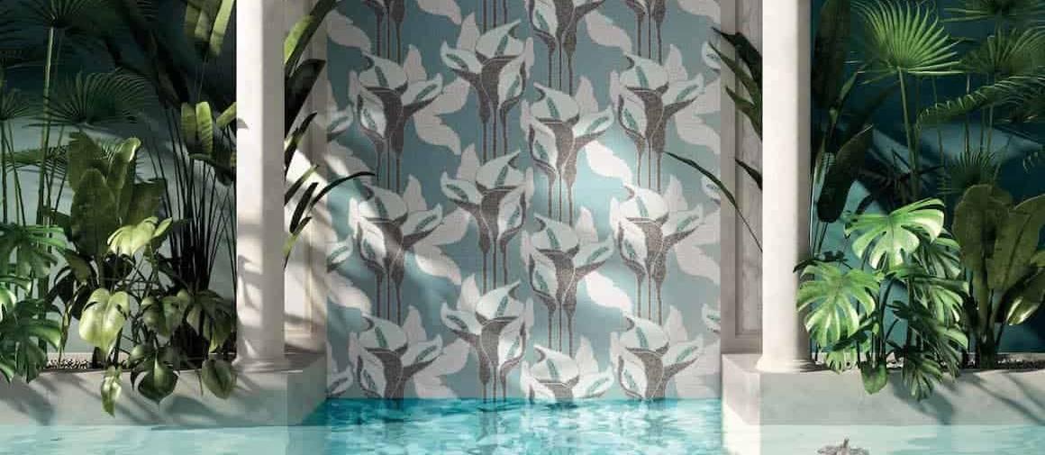 Mosaïques de verre, montées sur un treillis en fibre de verre pour des compositions modulaires adaptées aux milieux aquatiques (wellness, piscines, salles de bains). 20 x 20 x 4 mm ou 15 x 15 x 4 mm. Décor Calla. ©Mosaico+