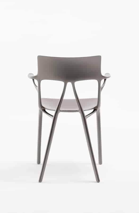Chaise A.I. utilisant l'intelligence artificielle. Projet en collaboration avec Philippe Starck. ©Kartell
