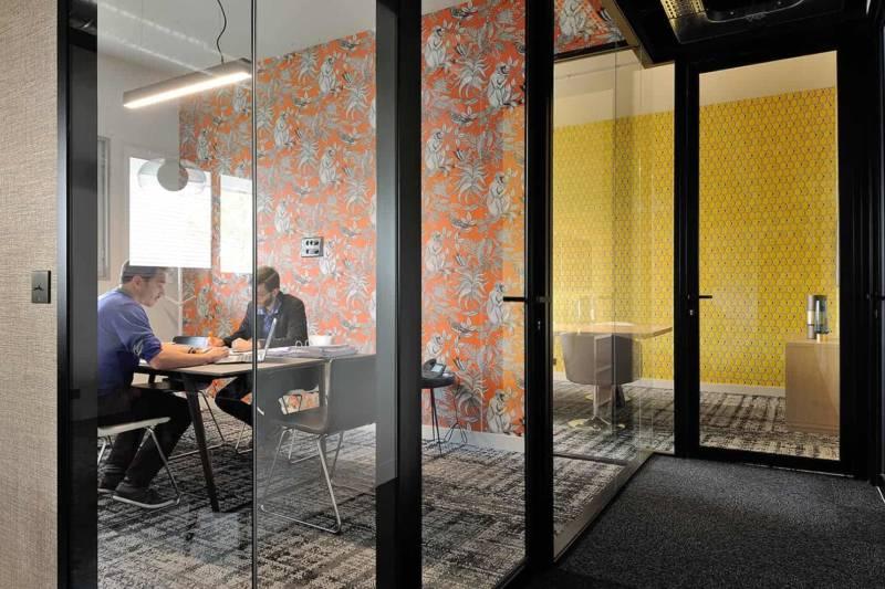 Le showroom:bureau Apsi témoigne des possibilités en matière de services et d'aménagement