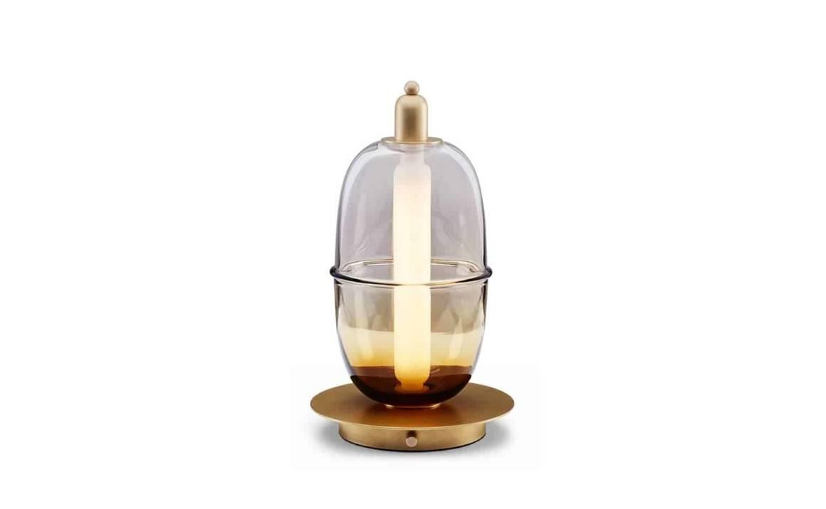 Moirai – Lampe de table en verre ambré et laiton Version B