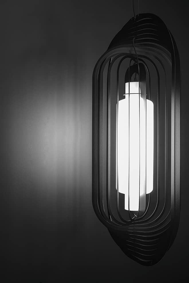 Soirée – Suspension diffusant un éclairage multiforme