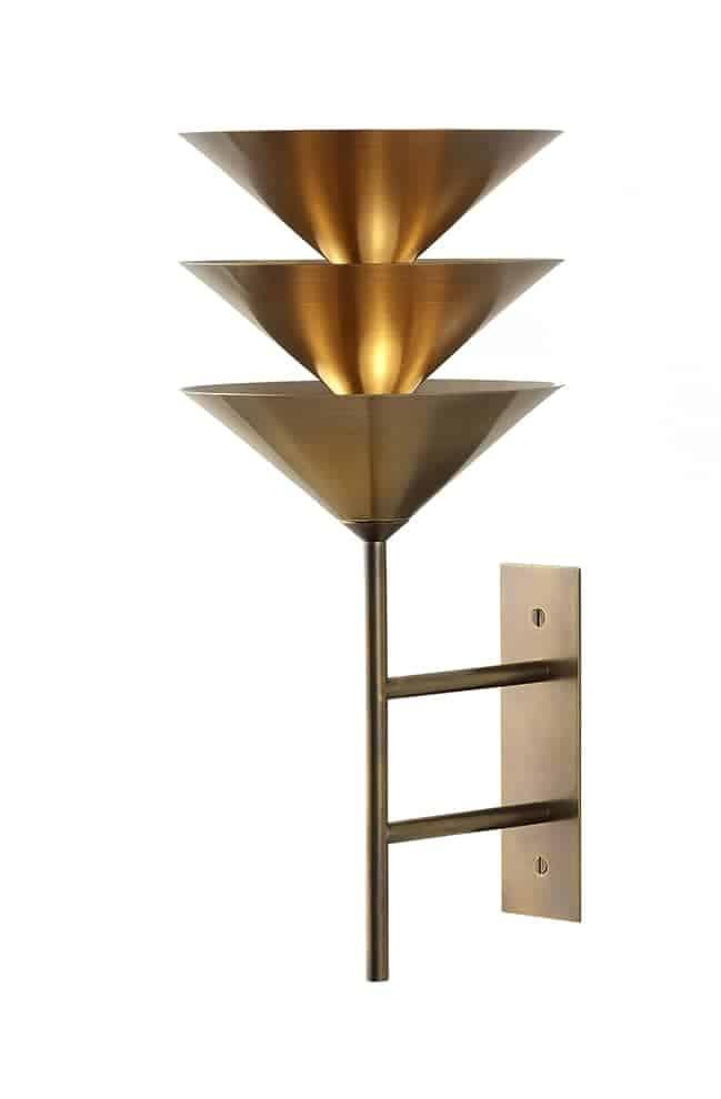 Wall Stack 3 - Applique composée de formes coniques nivelées