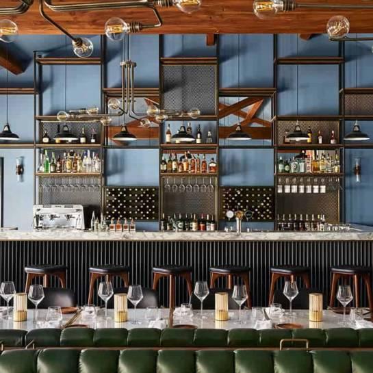 Le bar de l'hôtel du domaine Ultimate Provence (La Garde-Freinet, Var)