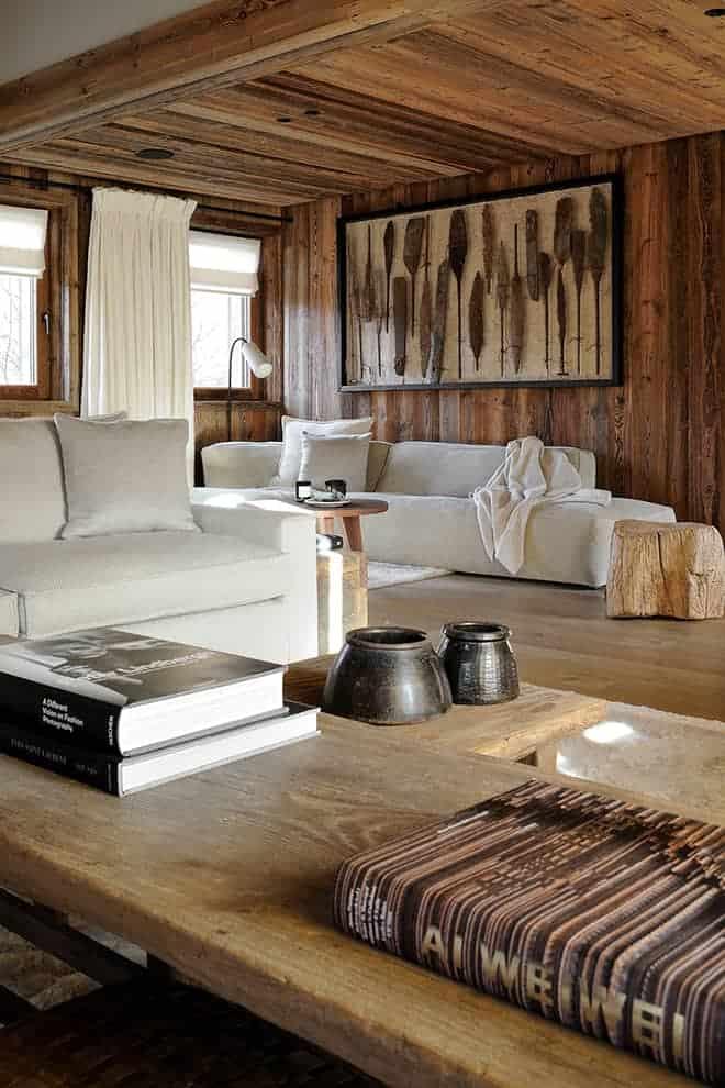Au verso, premier plan : tables en orme (Atmosphère d'Ailleurs).