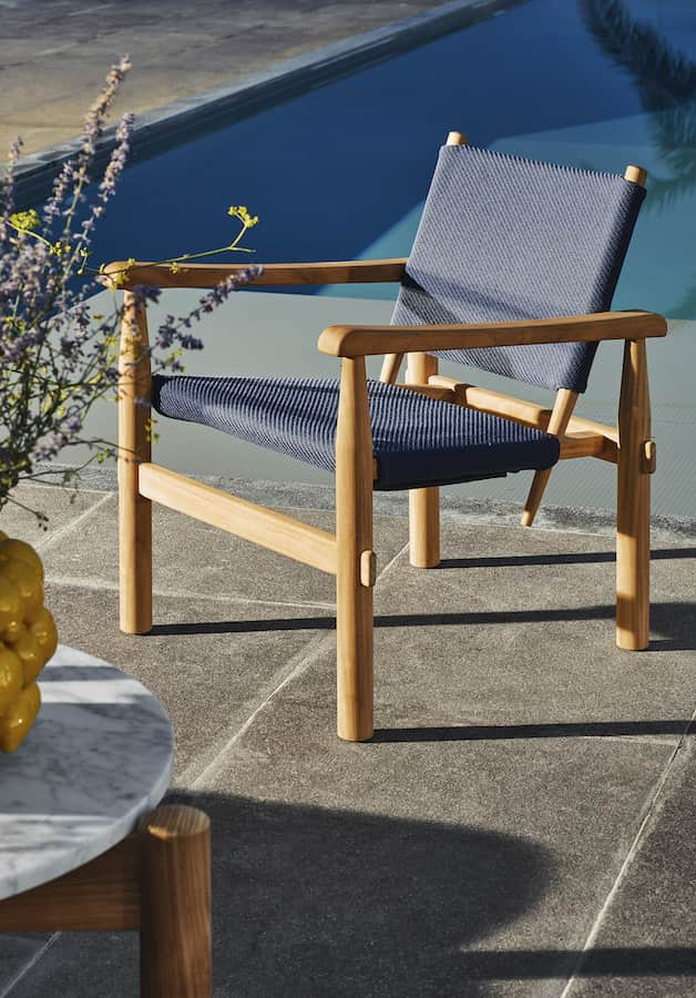 Fauteuil Doron Hotel outdoor. Charlotte Perriand. ©Cassina