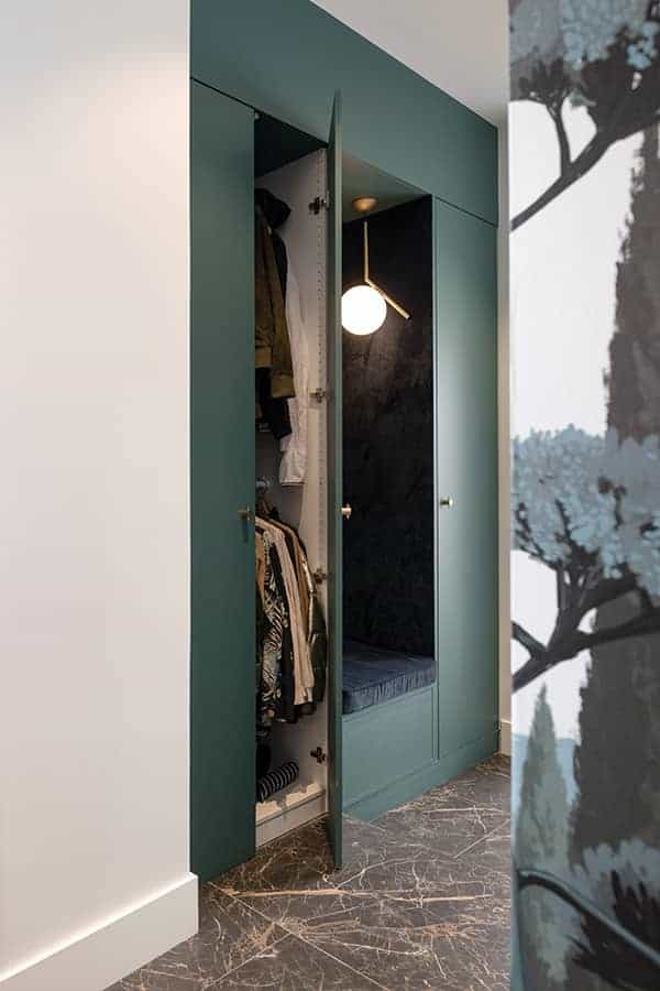Rangement et banquette d'entrée dessinée par Constance (Atelier Damien Bruneel)