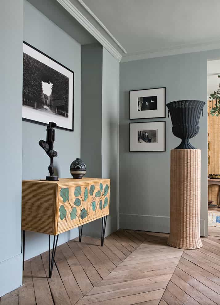 Appartement showroom Atelier Vime en collaboration avec Farrow&Ball. Peinture Light Blue. Photo Nicolas Mathéus