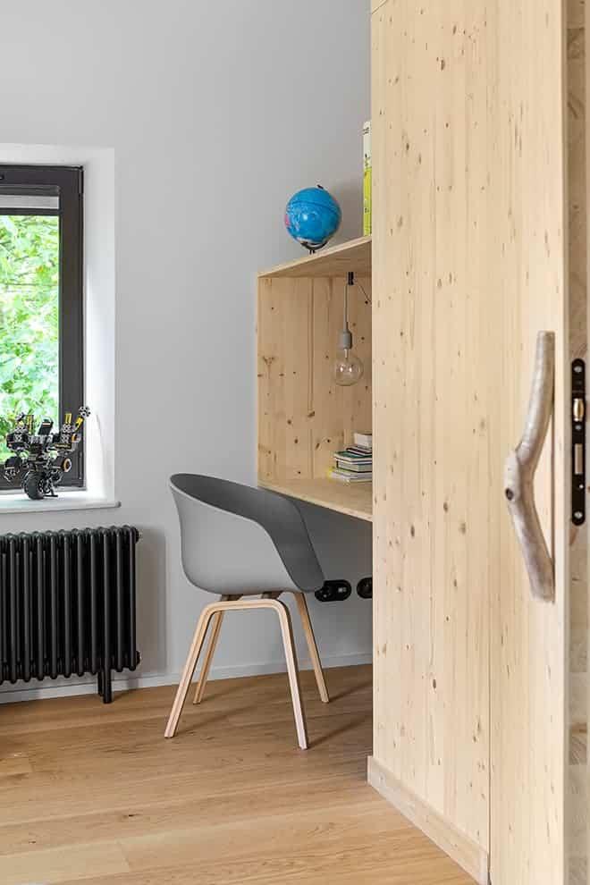 Dessiné par l'architecte d'intérieur, l'agencement des chambres permet d'accueillir un bureau
