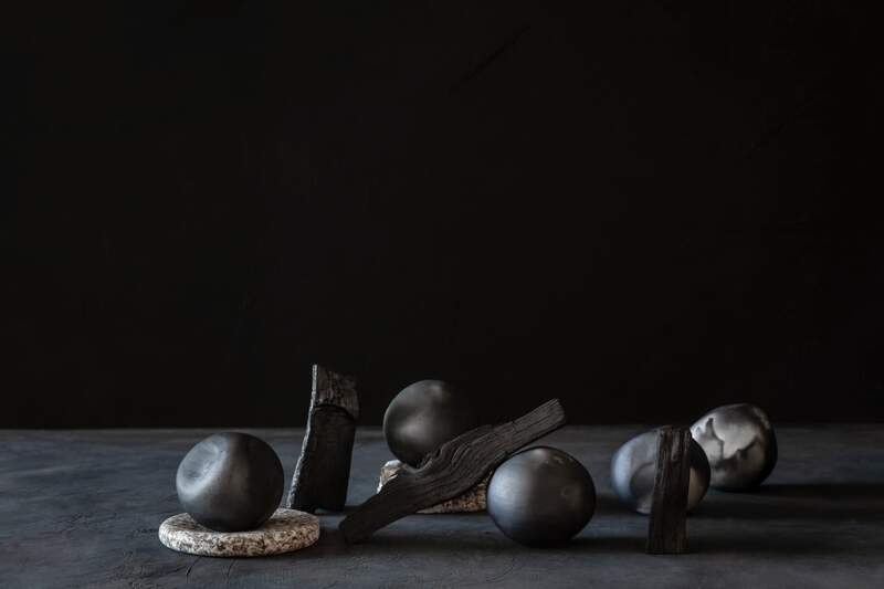Diffuseurs de parfum Soenga, Barro Negro. Collection MIS. Photo Sanda Vuckovic – Made in Situ