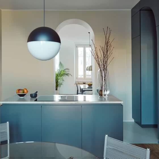 Appartement familial - épure chromatique à la milanaise