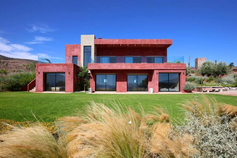 Une villa contemporaine qui s'inspire directement de son environnement pour mieux se fondre dans le décor